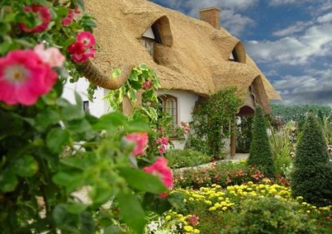 living-in-a-fairytale-the-worlds-25-most-magical-storybook-cottage-homes-2