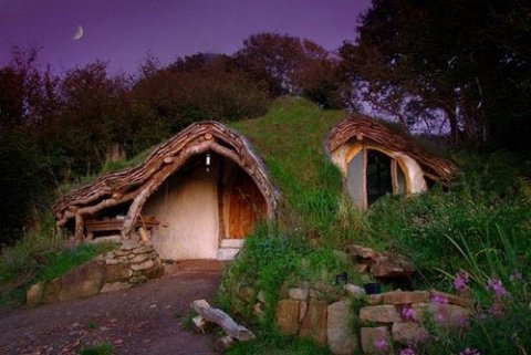 living-in-a-fairytale-the-worlds-25-most-magical-storybook-cottage-homes-8
